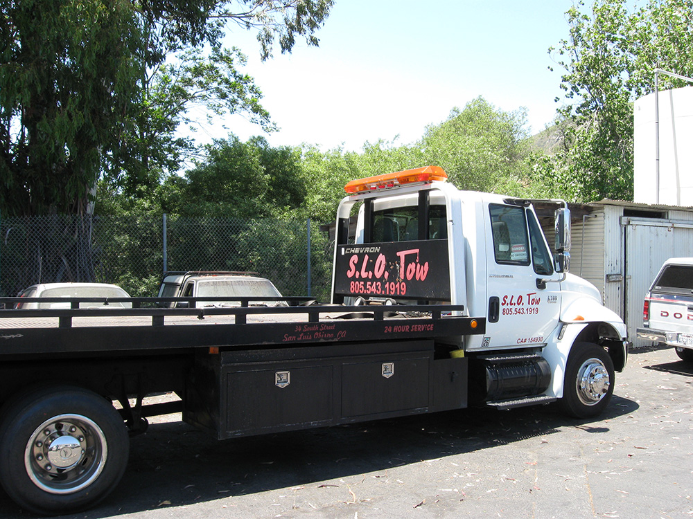 Villa Automotive tow truck